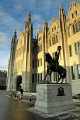 Marischal College, Aberdeen. Picture Credit: Keith Fergus / Scottish Viewpoint Tel: +44 (0) 131 622 7174   E-Mail : info@scottishviewpoint.com This photograph cannot be used without prior permission f... Public 2011,autumn,sunny,architecture,building,heritage,council,city,statue,robert,bruce,scots