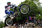 SPEA FIM World Trial World Championship, Fort William, Highlands of Scotland. Picture Credit : Kenny Ferguson / Scottish Viewpoint Tel: +44 (0) 131 622 7174   E-Mail : info@scottishviewpoint.com This... Public, NMR 2010,summer,event,motorbike,motorcyclist,balance,upright,trialbike,lochaber,skill,expert,precise,compete,competitor,people,crowd,crowds,spectators