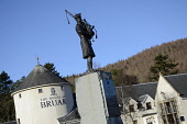The House of Bruar near Blair Atholl, Perthshire. Picture Credit: Chris Robson / Scottish Viewpoint Tel: +44 (0) 131 622 7174   E-Mail : info@scottishviewpoint.com This photograph cannot be used witho... Public building,winter,sunny,statue,specialised,shops,shopping,shop,retail,piper