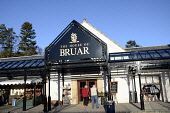 The House of Bruar near Blair Atholl, Perthshire. Picture Credit: Chris Robson / Scottish Viewpoint Tel: +44 (0) 131 622 7174   E-Mail : info@scottishviewpoint.com This photograph cannot be used witho... Public building,winter,sunny,specialised,shops,shopping,shoppers,shop,retail,people