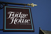 The Fudge House on the Canongate, Edinburgh. Picture Credit : Neil Sinclair / Scottish Viewpoint  Tel: +44 (0) 131 622 7174  E-Mail : info@scottishviewpoint.com  Web: www.scottishviewpoint.com This ph... Public 2011,sunny,city,sign,signage,royal,mile,food,eating,confectionery,sweet,tablet,old,town