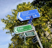 Signage at Dalkeith, Midlothian. Picture Credit : Chris Robson / Scottish Viewpoint  Tel: +44 (0) 131 622 7174  E-Mail : info@scottishviewpoint.com  Web: www.scottishviewpoint.com This photograph cann... Public, NMR 2012,summer,sunny,sign,directions,information,cycle,path,cycling,route,walk,walking