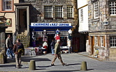 The Cashmere and Kilt Centre on the Royal Mile in the city centre of Edinburgh. Picture Credit : Craig Brown / Scottish Viewpoint  Tel: +44 (0) 131 622 7174  E-Mail : info@scottishviewpoint.com  Web:... Public summer,sunny,people,tourists,tourism,old,town,high,street,tartan,retail,shopping,gift,gifts,giftshop