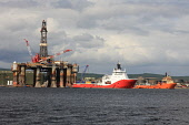 An Oil Rig in the Cromarty Firth, Invergordon, Highlands of Scotland. Picture Credit : Laurence Leech / Scottish Viewpoint  Tel: +44 (0) 131 622 7174  E-Mail : info@scottishviewpoint.com  Web: www.sco... Public 2011,summer,sunny,ship,ships,boat,boats,deephaven,industry,platform,water,equipment,highland