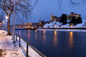 Inverness Castle and the River Ness, in the centre of Inverness, Highlands of Scotland. Picture Credit : Ross Graham / Scottish Viewpoint  Tel: +44 (0) 131 622 7174  E-Mail : info@scottishviewpoint.co... Public 2011,winter,dusk,night,city,floodlit,water,flow,snow,atmospheric,xmas,christmas,lights,decorations