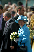 GLASGOW, SCOTLAND, UK: The Queen smiles to crowds of wellwishers as she arrives in the city's George Square on the first day of her 1000-mile, seven day Golden Jubilee tour of Scotland. Earlier the Qu... Colin McPherson