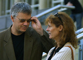 EDINBURGH, SCOTLAND, UNITED KINGDOM: Tim Robbins and Susan Sarandon pose for photographs outside the Sheraton hotel in Edinburgh prior to a news conference to talk about their play entitled 'The Guys'... Colin McPherson