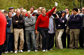 COLIN MONTGOMERIE PLAYING IN THE RYDER CUP AT THE DE VERE BELFRY, ENGLAND. 27.09.02 PIC: FRANK PETERS/SCOTTISH VIEWPOINT Tel: +44 (0) 131 622 7174   Fax: +44 (0) 131 622 7175 E-Mail : info@scottishvie... CROWD,SPORT,SPECTATORS,GOLFER,GOLF