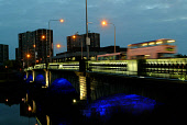 VICTORIA BRIDGE OVER THE RIVER CLYDE SEEN AT NIGHT. GLASGOW PIC:GARRY MCHARG/SCOTTISH VIEWPOINT Tel: +44 (0) 131 622 7174   Fax: +44 (0) 131 622 7175 E-Mail : info@scottishviewpoint.com This photograp... BUS,TRAVEL,TRANSPORT,SPEED,SCOTLAND