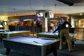 Playing pool in the Sports Bar, Sauchiehall street  PIC:GARRY MCHARG/SCOTTISH VIEWPOINT Tel: +44 (0) 131 622 7174   Fax: +44 (0) 131 622 7175 E-Mail : info@scottishviewpoint.com This photograph can no... DRINKING,STYLISH,SPORT,SCOTLAND,PUB,DRINKS
