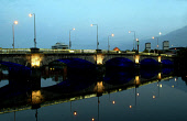 VICTORIA BRIDGE OVER THE RIVER CLYDE SEEN AT NIGHT. GLASGOW PIC:GARRY MCHARG/SCOTTISH VIEWPOINT Tel: +44 (0) 131 622 7174   Fax: +44 (0) 131 622 7175 E-Mail : info@scottishviewpoint.com This photograp... SCOTLAND,TRAVEL,TRANSPORT,SPEED