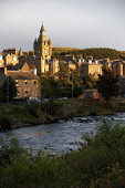 THE VIEW ACROSS THE RIVER TEVIOT TO THE TOWER OF THE TOWN HALL, HAWICK, SCOTTISH BORDERS. Pic: P. Tomkins / VisitScotland / Scottish Viewpoint Tel: +44 (0) 131 622 7174 Fax: +44 (0) 131 622 7175 E-Mai... Public 2009,AUTUMN,SUNSHINE,AFTERNOON,SUNNY,WATER,TOWN