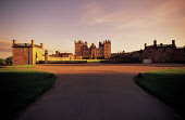 LOOKING UP THE MAIN DRIVE WAY ON A SUMMER'S EVENING TO DRUMLANRIG CASTLE- A 17C MANSION AND THE SEAT OF THE DUKES OF BUCCLEUCH AND SET IN GLORIOUS PARKLAND, NEAR THORNHILL, DUMFRIES & GALLOWAY.PIC: PA... HERITAGE,BUILDING,SUMMER,COUNTRY PARK,NITHSDALE,ARCHITECTURE,SUNNY
