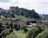LOOKING DOWN FROM THE SCOTT MONUMENT TOWARDS THE EDINBURGH SKYLINE TO RAMSAY GARDEN AND THE CASTLE WITH THE NATIONAL GALLERY AND THE ROYAL SCOTTISH ACADEMY IN THE FOREGROUND. PIC: P.TOMKINS/VisitScotl... THE MOUND,SUMMER,SUNNY,ARCHITECTURE