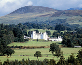 LOOKING ACROSS TREES TOWARDS  BLAIR CASTLE- DATING FROM THE 13C AND THE SEAT OF THE DUKES AND EARLS OF ATHOLL, WITH HILLS BEHIND, PERTHSHIRE. PIC: P.TOMKINS/VisitScotland/SCOTTISH VIEWPOINT Tel: +44 (... SHEEP,BUILDING,SUMMER,FIELD,FARMING,ARCHITECTURE