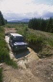 OFF ROAD DRIVING AT HOWIE IRVINE DEESIDE ACTIVITY PARK. PIC: P.TOMKINS/VisitScotland/SCOTTISH VIEWPOINT Tel: +44 (0) 131 622 7174   Fax: +44 (0) 131 622 7175 E-Mail : info@scottishviewpoint.com This p... 4WD,TRANSPORT,LANDROVER,FOUR WHEEL DRIVE,ACTIVITY