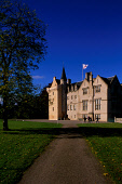 LOOKING ACROSS TO THE PARKLAND TO BRODIE CASTLE- DATING FROM THE 16C WITH 17/19C ADDITIONS AND THE SEAT OF BRODIE OF BRODIE, WEST OF FORRES, MORAYSHIRE, HIGHLAND. PIC: VisitScotland/SCOTTISH VIEWPOINT... BUILDING,ARCHITECTURE,GARDENS,HERITAGE,NATIONAL TRUST FOR SCOTLAND,AUTUMN,SUNNY,PEOPLE