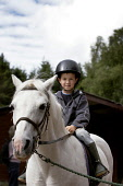 BAREND RIDING CENTRE AT SANDYHILLS ON THE COLVEND COAST, NEAR DALBEATTIE, DUMFRIES AND GALLOWAY.  PIC: PAUL TOMKINS/VisitScotland/SCOTTISH VIEWPOINT Tel: +44 (0) 131 622 7174   Fax: +44 (0) 131 622 71... SUNNY,SUMMER,ACTIVITY,JULY 2006,HORSE,EQUINE,PONY,KID,YOUNGSTER,CHILD,TREK,TREKKING