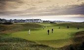 CARNOUSTIE GOLF LINKS (CHAMPIONSHIP COURSE) - CARNOUSTIE, ANGUS. PIC: PAUL TOMKINS/VisitScotland/SCOTTISH VIEWPOINT Tel: +44 (0) 131 622 7174   Fax: +44 (0) 131 622 7175 E-Mail : info@scottishviewpoin... SUNNY,SUMMER,ACTIVITY,GOLFING,SPORT,GOLFER,GOLFERS,GREEN,HOLE,2006