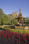 EDINBURGH CASTLE AND ROSS FOUNTAIN IN PRINCES STREET GARDENS IN THE CITY CENTRE OF EDINBURGH. PIC: P.TOMKINS/VisitScotland/SCOTTISH VIEWPOINT Tel: +44 (0) 131 622 7174   E-Mail : info@scottishviewpoin... Public 2006,SUMMER,SUNNY,FLOWERS,PARK