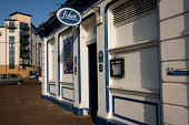 FISHERS BISTRO ON THE SHORE, LEITH, EDINBURGH.  PIC : NEIL SINCLAIR/SCOTTISH VIEWPOINT  Tel: +44 (0) 131 622 7174  Fax: +44 (0) 131 622 7175  E-Mail: info@scottishviewpoint.com  WEB: www.scottishviewp... NEIL SINCLAIR/SCOTTISH VIEWPOINT 2008,SUNNY,RESTAURANT,FOOD,EATING