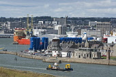 Looking down to the harbour area at Aberdeen, fwith a view beyond to the city centre. Allan Wright / Scottish Viewpoin summer,sunny,sunshine,water,ship,ships,boat,boats,industry,industries,oil,dock,docks,river,dee