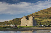 Lochranza Castle at Lochranza - a village on the north coast of the Isle of Arran, North Ayrshire. Allan Wright / Scottish Viewpoin autumn,sunny,sunshine,water,hill,hills,coastal,island,islands,isle,isles,activity,activities,sailing,boat,boats,yacht,yachts,attraction,attractions,visitor,tourist,history,heritage,historic,scotland,h