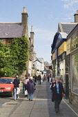 Albert Street, Kirkwall, Mainland, Orkney. Picture Credit : Iain Sarjeant / Scottish Viewpoint  Tel: +44 (0) 131 622 7174  E-Mail : info@scottishviewpoint.com  Web: www.scottishviewpoint.com This phot... 2012,craft,crafts,people,person,visitors,visitor,retail,shop,shopper,shoppers,shopping,shops,specialised,summer,sunny,island,islands,isle,isles,pedestrianised