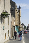 Broad Street, Kirkwall, Mainland, Orkney. Picture Credit : Iain Sarjeant / Scottish Viewpoint  Tel: +44 (0) 131 622 7174  E-Mail : info@scottishviewpoint.com  Web: www.scottishviewpoint.com This photo... 2012,craft,crafts,retail,shop,shopper,shoppers,shopping,shops,specialised,summer,sunny,island,islands,isle,isles,people,person,visitors,visitor