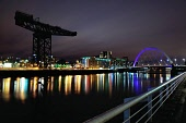 The Finnieston Crane and Squinty Bridge, Glasgow. Scotland Tony Clerkson/ Scottish Viewpoin uk,u.k,Great Britain,GB,G.B,Scotland,Scottish,nobody,night time,outdoors,offices,clyde,river,evening,bridge,Squinty Bridge,river clyde,Finnieston Crane,Clyde Arc