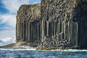 The cliffs by Fingal's Cave and the Boat Cave, showing basalt columns and the overlying basalt lava flow, Isle of Staffa, Inner Hebrides, Scotland Alan Gordon/ Scottish Viewpoint uk,u.k,Great Britain,GB,G.B,Scotland,Scottish,nobody,daytime,outdoors,island,islands,isle,isles,coast,coastal,coastline,water,sea,staffa,basalt,inner hebrides,summer