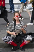 Street performer on High Street during Edinburgh Fringe Festival 2016 in Scotland , United Kingdom Iain Masterton / Scottish Viewpoint Edinburgh,fringe,festival,festivals,outdoor,Scotland,Scottish,artist,artists,performer,performers,street,female,musician,daytime,United,Kingdom,UK,Britain,British,culture,cultural,actor,Europe,Europea