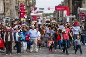 View along busy High Street in Edinburgh during Fringe Festival 2016, Scotland, united Kingdom Iain Masterton / Scottish Viewpoint Edinburgh,fringe,festival,festivals,outdoor,Scotland,Scottish,busy,people,crowded,many,street,daytime,United,Kingdom,UK,Britain,British,culture,cultural,actor,Europe,European,city,cities,international