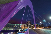 The Squinty bridge over the River Clyde at night,  Glasgow, Scotland Allan Wright/ Scottish Viewpoint uk,u.k,Great Britain,GB,G.B,Scotland,Scottish,1 person,night,outdoors,glasgow,squinty,bridge,clyde,river,arc