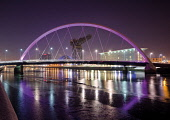 The Squinty bridge over the River Clyde at night,  Glasgow, Scotland Allan Wright/ Scottish Viewpoint uk,u.k,Great Britain,GB,G.B,Scotland,Scottish,nobody,nightime outdoors,glasgow,squinty,bridge,clyde,river,arc,armadillo