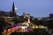 Opening day of Edinburgh's popular and beautiful Christmas market and funfair in Princes Street Gardens. Edinburgh, Scotland Iain Masterton/ Scottish Viewpoint Edinburgh,Christmas market,christmas,Scotland,Edinburgh Christmas Market,Christmas Market Edinburgh,Scottish,festival,winter,markets,Princes Street Gardens,UK,United Kingdom,2017,View,night,xmas