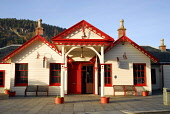 THE OLD ROYAL STATION - THE RESTORED VICTORIAN STATION USED BY QUEEN VICTORIA ON VISITS TO BALMORAL NOW A VISITOR AND TOURIST INFORMATION CENTRE, BALLATER, ABERDEENSHIRE. Historical picture as the sta... Chris Robson /Scottish Viewpoint ARCHITECTURE,ATTRACTION,BUILDING,MUSEUM,ROYAL DEESIDE,SUNNY,TIC