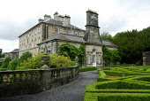 POLLOK HOUSE (A HISTORIC HOUSE IN PARKLAND AND GARDENS BY THE WHITE CART WATER), SOUTH WEST OF GLASGOW CITY CENTRE NEAR POLLOKSHAWS. Chris Robson /Scottish Viewpoint ARCHITECTURE,COUNTRY PARK,SUNNY,SUMMER,NTS,NATIONAL TRUST FOR SCOTLAND,BUILDING,ATTRACTION