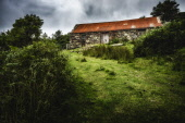 Byre on croft land at Strathan, Lochinver Alan Gordon/Scottish Viewpoint Highlands,Lochinver,National Scenic Area,North Coast 500,Scotland,Sutherland,agricultural,agriculture,atmospheric,barn,bracken,byre,clouds,cloudy,croft,crofting,faming,nobody,overcast,rural,summer,tra