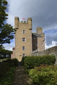 castle of mey;caithness;scotland Mark Hicken /Scottish Viewpoint uk,u.k,Great Britain,GB,G.B,Scotland,Scottish,nobody,daytime,outdoors,caithness,castle,castle of mey,clouds,battlements,castellations,highlands,highland