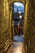 Advocate's Close, Royal Mile, Edinburgh Allan Wright  /Scottish Viewpoint united kingdom,edinburgh,scotland,lothians,capital city of scotland,auld reekie,architecture,closes,close,buildings,city,street,street light,high st,royal mile,old town,dusk,moody,damp,wet,archway,amb