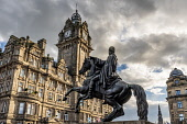 The Iron Duke, Waterloo Place, Edinburgh Allan Wright  /Scottish Viewpoint united kingdom,scotland,lothians,capital city of scotland,auld reekie,balmoral hotel,waterloo place,duke of wellington,architecture,monument,carving,figure,statue,history,b listed,clocktower,hotel,spi