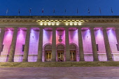 Caird Hall, Dundee City Centre Allan Wright /Scottish Viewpoint United Kingdom,scotland,angus,dundee,urban,caird hall,ambient light,atmospheric,nightime,colourful,dusk,night,artificial light,street light,architecture,buildings,georgian,pillars,performance,theatre