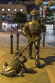 Desperate Dan and Dawg sculpture, Dundee city centre Allan Wright /Scottish Viewpoint United Kingdom,scotland,angus,dundee,urban,caird hall,desperate dan,dc thomson,sculpture,art installation,street,street light,urban art,dawg
