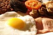 Food in a restaurant Chris Robson /Scottish Viewpoint pub,bar,food,nobody,restaurant,cafe,table,setting,breakfast,full,bacon,eggs,sausage,tomato,black,pudding,scottish